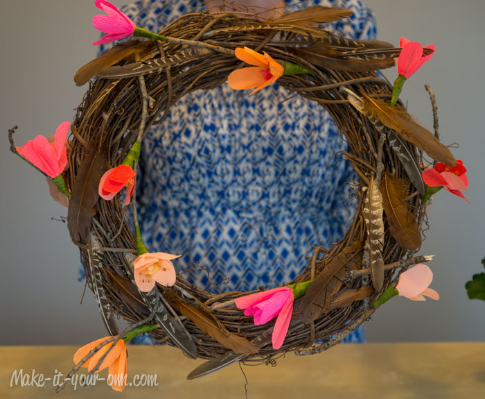 Crepe-paper-flower-wreath-all