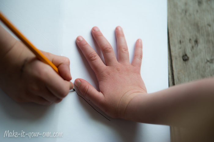Handprint Bouquet: tracing hand step, Mother's Day