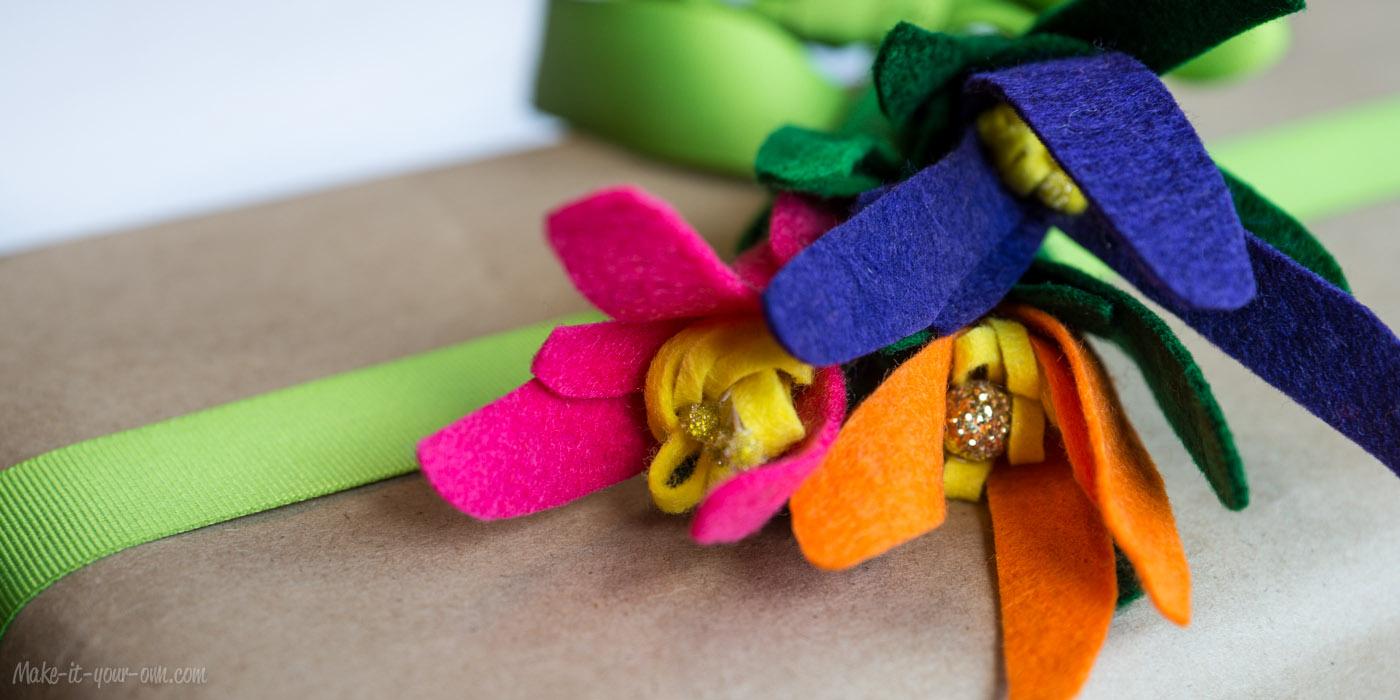 Present Topper: Handprint Bouquet