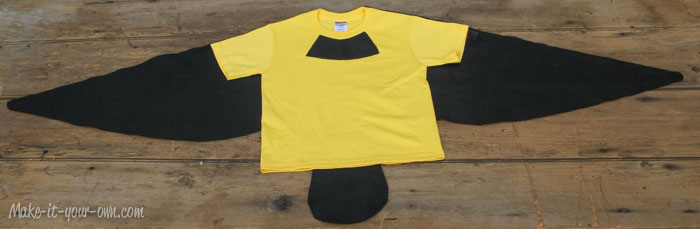 Transforming a T-shirt into a Bird Costume from make-it-your-own.com (Art, crafts & activities for kids)