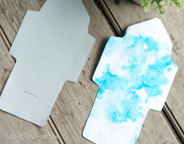 Make Your Own Gift Card Envelope: Cut out