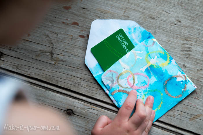 Make Your Own Gift Card Envelope: Insert Gift Card