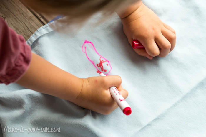 Make a Special Fort Sheet with make-it-your-own.com (Art, Crafts & Activities for Kids)