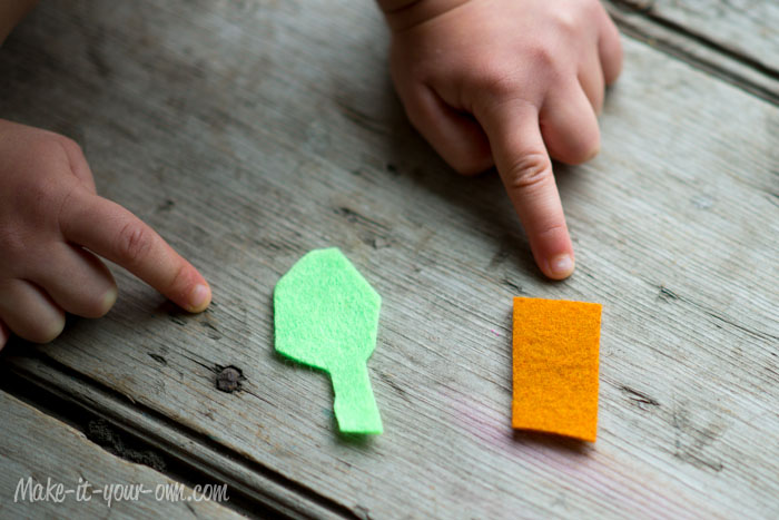 Fall Fun:  Pumpkin or Apple Pocket Craft from make-it-your-own.com (Arts, crafts & activities for kids)