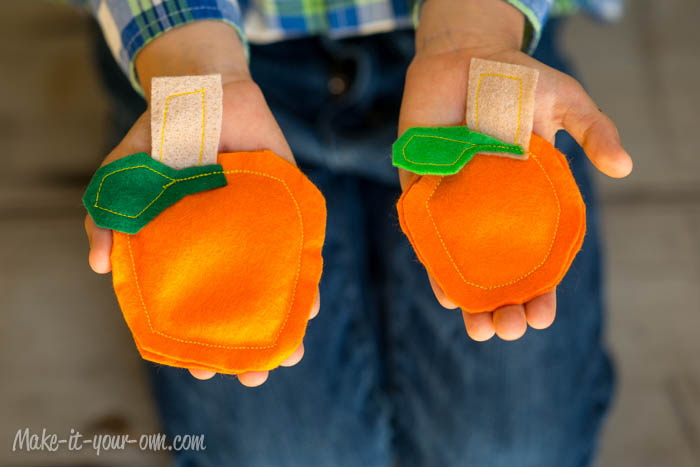 Fall Fun:  Pumpkin Bean Bags from make-it-your-own.com (Art, crafts & activities for kids)