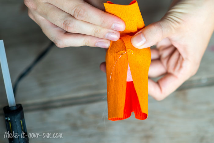 Fall Fun: Pumpkin Cake Topper from make-it-your-own.com (Art, crafts & activities for kids)
