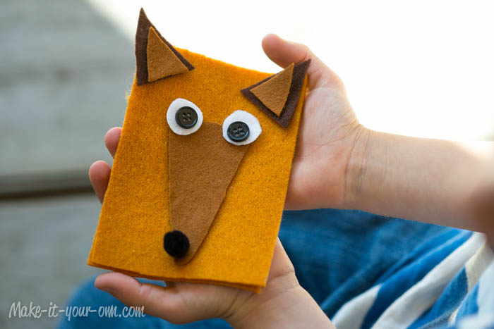 Fall Fun: Woodland Animal Gift Card Holder from make-it-your-own.com (Art. crafts and activities for kids)