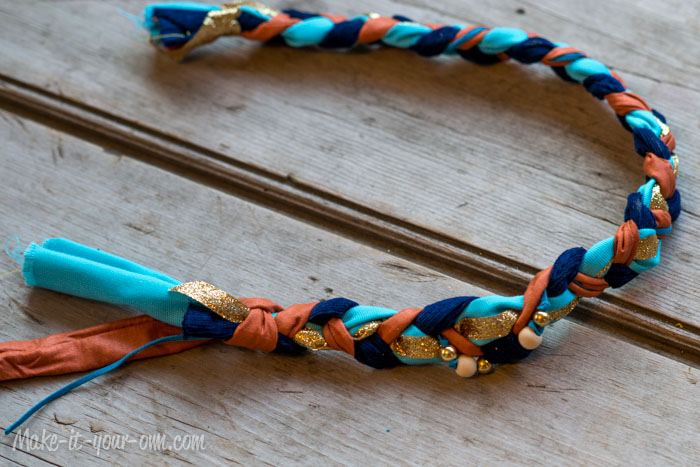 Fall Fun:  Braided Headband from make-it-your-own.com (Art, crafts & activities for kids)