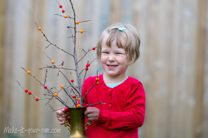 Fall Berry Branches from make-it-your-own.com (Arts, crafts & activities for kids)