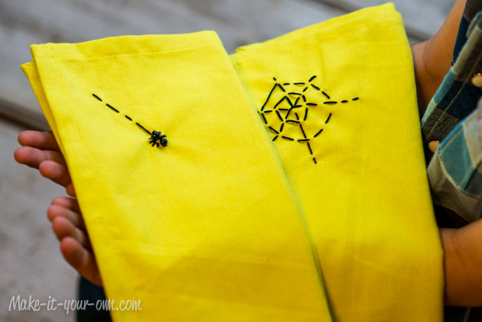 Halloween:  Web Napkins from make-it-your-own.com (Art, crafts & activities)