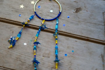 Starry Nights Mobile from make-it-your-own.com (Art, crafts & activities for kids)