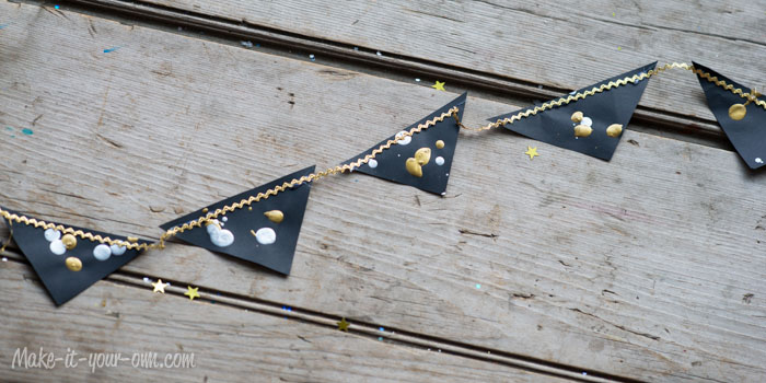 Recycled Envelope Garland (Fun for New Year's Eve!) from make-it-your-own.com (Art, crafts and activities for kids)