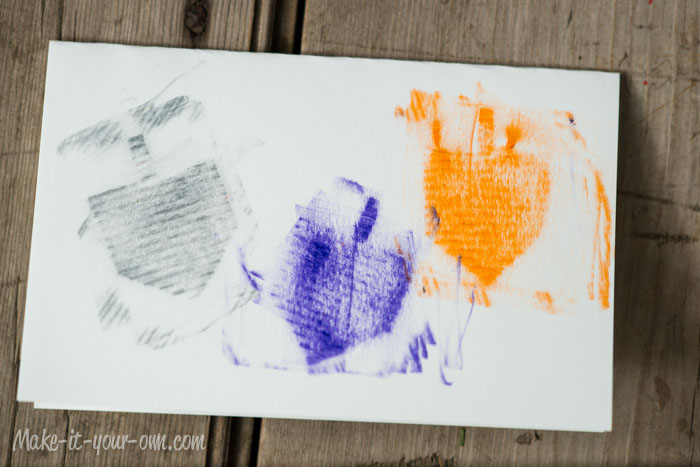 Crayon Rubbing Resist Party Invite from make-it-your-own.com (Art, crafts and activities for kids)