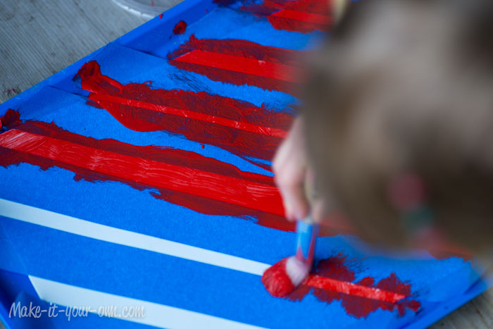 Peppermint Stick Painting from make-it-your-own.com (Art, crafts & activities for kids)