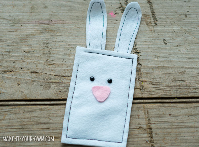 Bunnies in Burrows Bean Bag Game with make-it-your-own.com (Crafts & Activities for Kids)