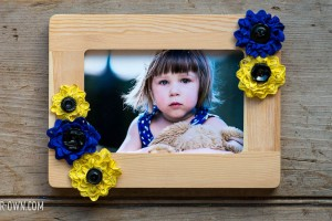 Rick Rack Floral Frame with make-it-your-own.com (Crafts & Activities for Kids)
