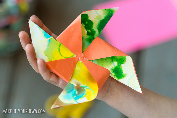 Child Artwork Pinwheel Present Topper with make-it-your-own.com (Crafts & activities for kids)