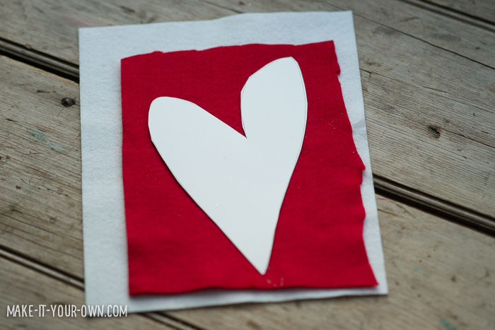 Heart Pocket from make-it-your-own.com (Crafts & activities for kids)