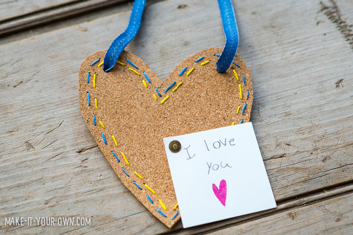 Valentine's Day: Mini Message Board from make-it-your-own.com (Crafts & activities for kids)