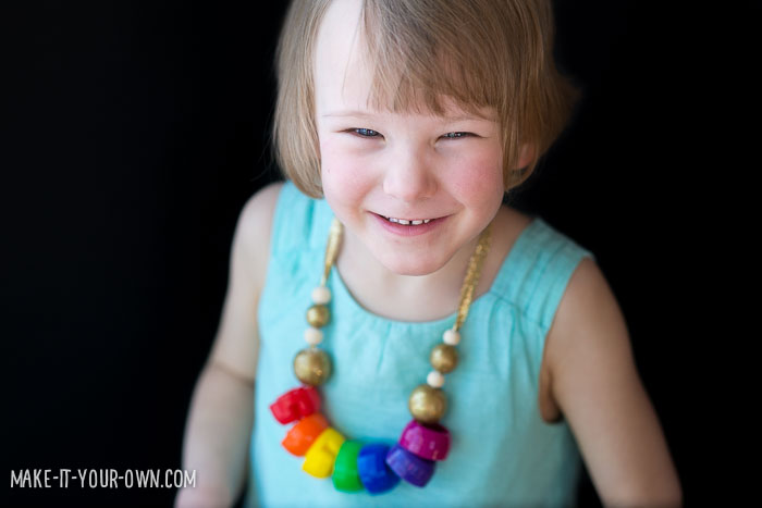 Recycled Rainbow Necklace with make-it-your-own.com (Crafts & Activities for Kids)