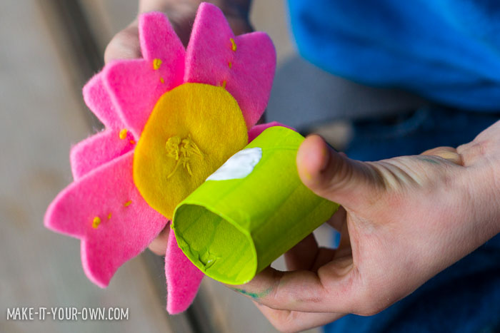 Floral Napkin Rings- perfect for Spring! (Crafts & Activities for Kids)