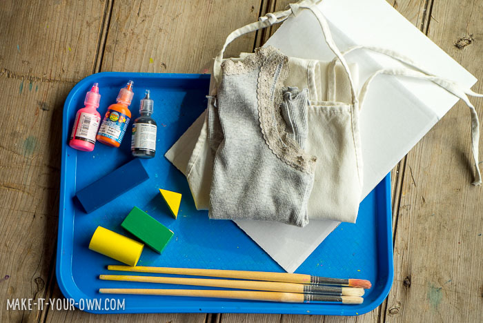 Stamping with Blocks with make-it-your-own.com (Crafts & activities for kids) *This is a great trick to hide stains!