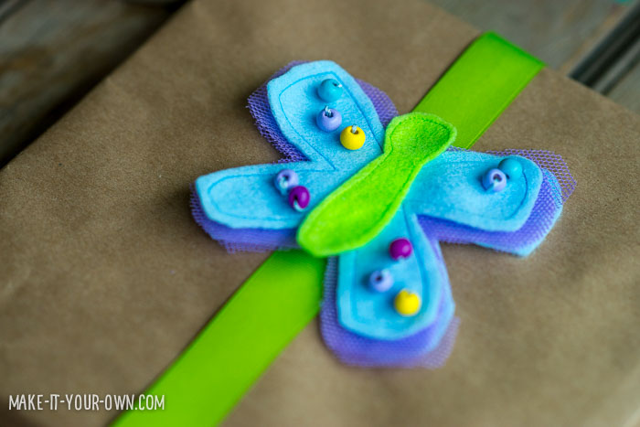 Butterfly Present Toppers from make-it-your-own.com (Craft & activities for kids)
