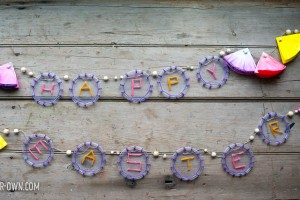 Recycled Garland from make-it-your-own.com (Crafts and Activities for Kids)
