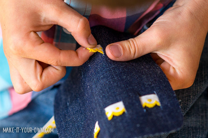 Quick Jean Gift Pocket with make-it-your-own.com (Crafts & activities for kids!)