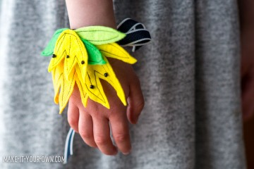 Felt Flower Wristlets with make-it-your-own.com
