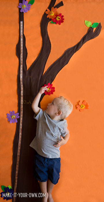 Handmade Felt Growth Chart with make-it-your-own.com (Crafts & activities for kids)