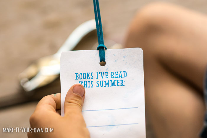 Summer Reading Bookmarks (with pom pom painting) with make-it-your-own.com (Crafts & activities for kids)