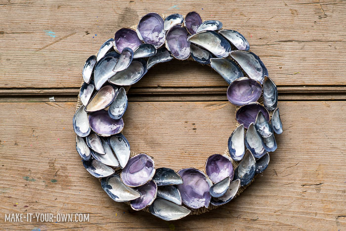 Seashell Wreath from make-it-your-own.com (Crafts & activities for kids)