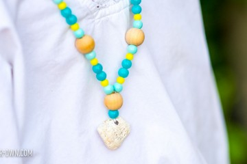 Beach Mission Necklace with make-it-your-own.com (Crafts & Activities for Kids)
