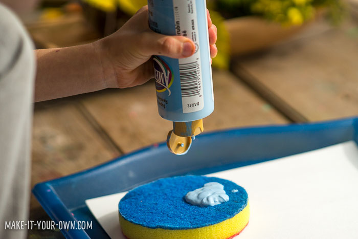 Sponge Painting with make-it-your-own.com (Crafts & activities for kids)