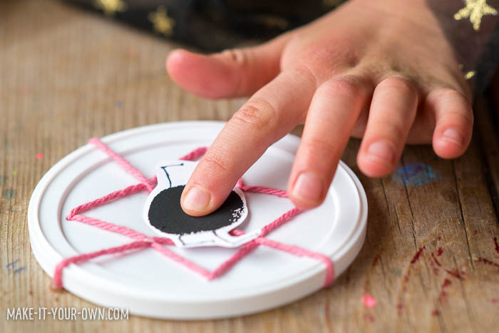 Sewing Webs with make-it-your-own.com (Crafts & activities for kids!)