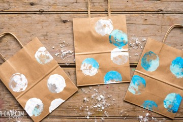 Snowball Prints with make-it-your-own.com (Crafts & Activities for kids!)