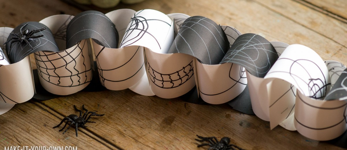 Spider Web Paper Chain with make-it-your-own.com (Crafts & activities for kids)