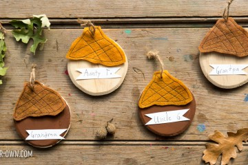 Acorn Place Setting Markers with make-it-your-own.com (Crafts & activities for kids)
