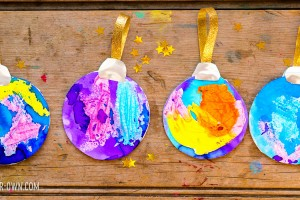 Melted Crayon Paper Ornaments with make-it-your-own.com (Creative activities for kids)