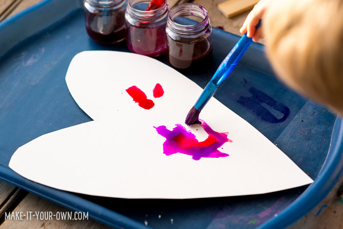 Fizzy Painting with make-it-your-own.com (Creative activities for kids!)