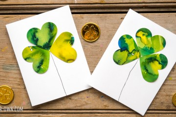 Colour Mixing Clovers with make-it-your-own.com (Creative activities for kids!)