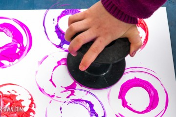 Ribbon Roll Painting with make-it-your-own.com (Creative activities for kids)