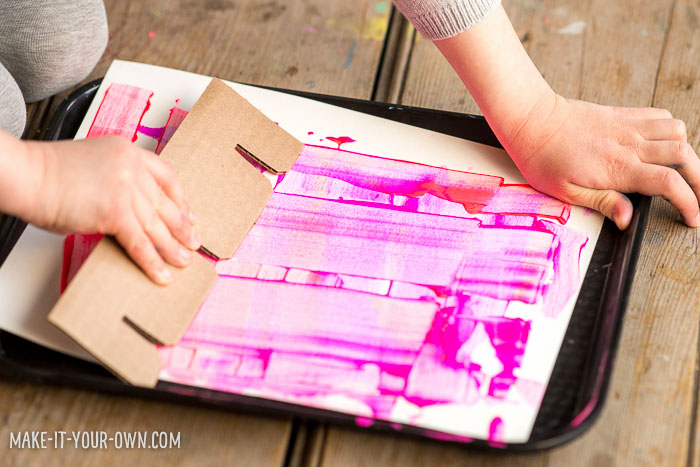 Scrape Painting Using Cardboard with make-it-your-own.com (Creative activities for kids!)