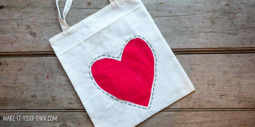 Valentine's Day Tote with make-it-your-own.com (Creative activities for kids)