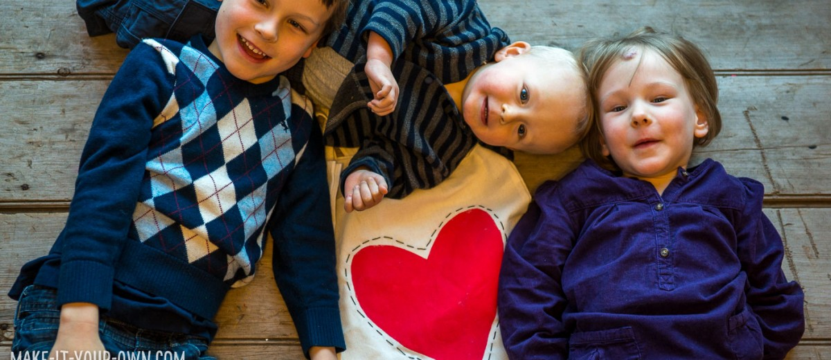 Valentine's Day Tote with make-it-your-own.com (Creative activities for kids!)