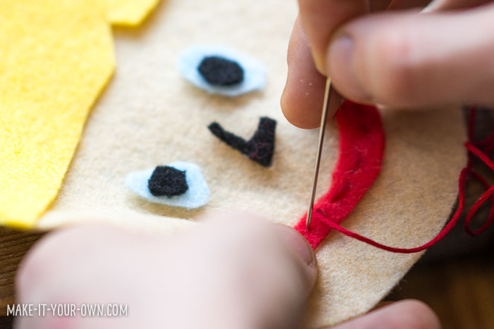 Sew a felt portrait bag tag- perfect for back to school!