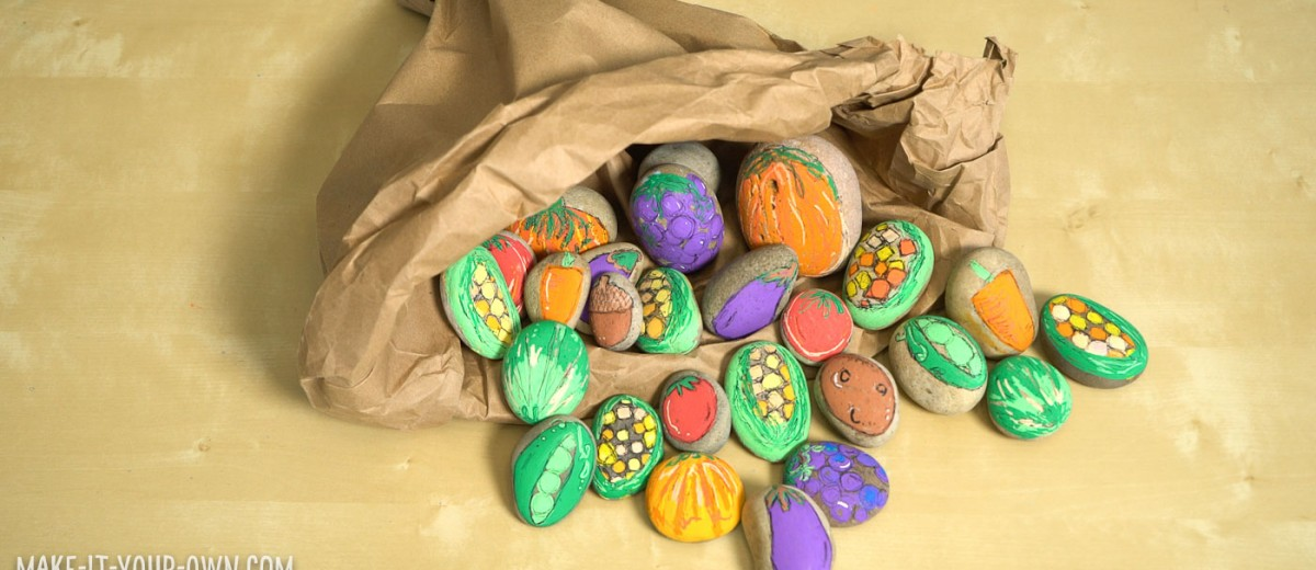Painted Rock Cornucopia: Go out into nature, find rocks, paint them with harvest vegetables and then play with them! A perfect Thanksgiving project for home or in the classroom! (Each student could create their own rock!)