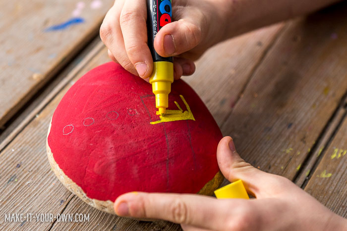 Holiday Painted Rocks: Create Santa, a Turkey and Menorah!
