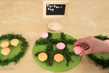 Make mushrooms for learning & play: 1) Sorting by Attributes (size, greater than/less than & colour), 2) Creating letters, 3) Counting/Adding (One-to-one correspondence, Perceptual Subsitizing, Perceptual subitizing) 4) Patterning 5) Tic-tac-toe 6) Stacking etc.
